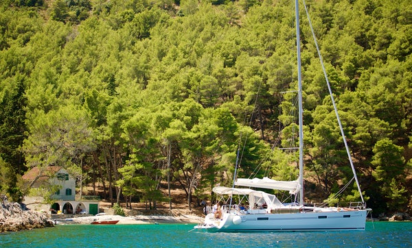 Beneteau Oceanis: Ideal For Families Or Small Group Sailing