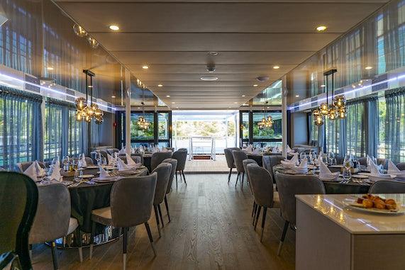 MS Alfa Mario Dining Salon