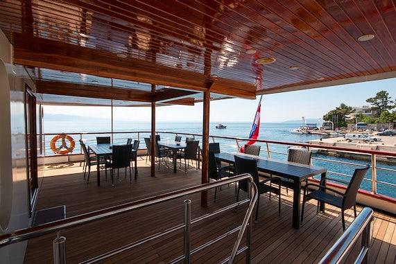 MS Lupus Mare main deck