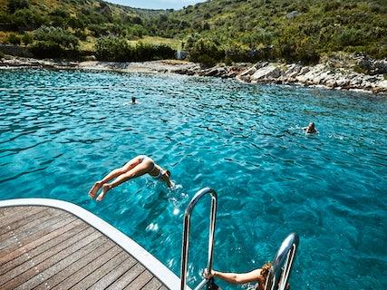 Lupus Mare swimming platform