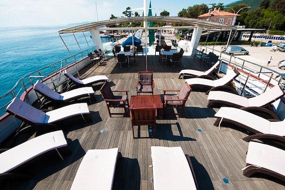 MS Lupus Mare top deck
