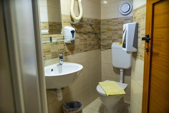 Premier Plus Ship Bathrooms