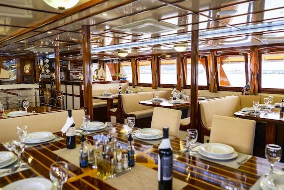 Premier Plus Ships Dining Salon