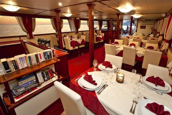 Premier Ships Dining Salon