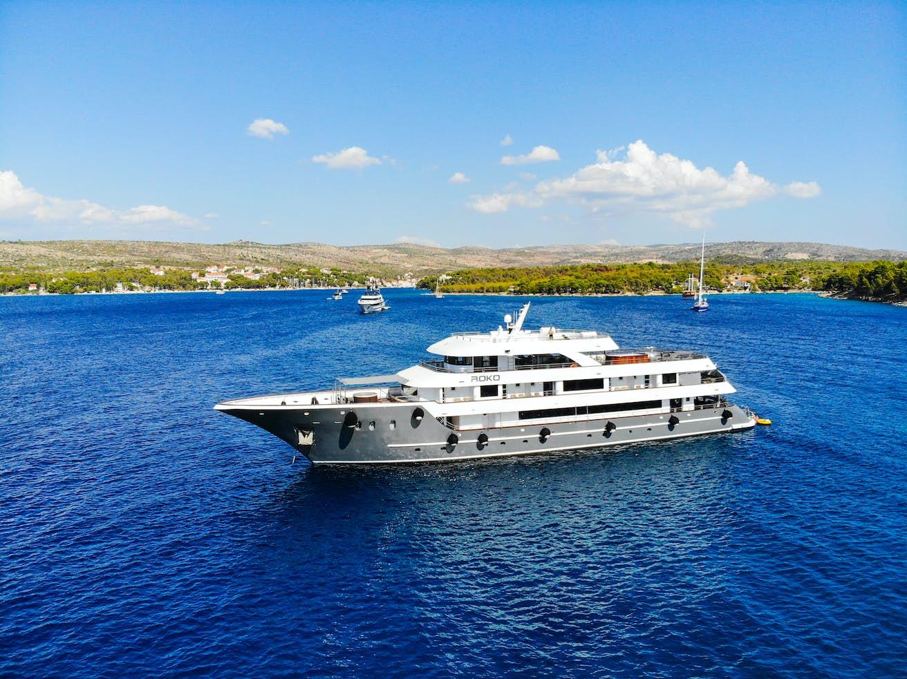 Elegance Cruise