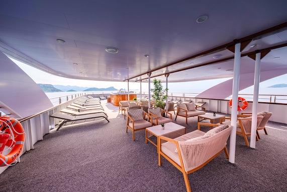 MS Roko main deck