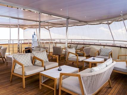 MS Salve Di Mare Middle Deck