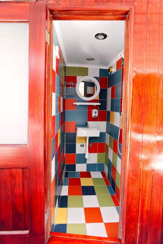 Standard Ship Bathrooms