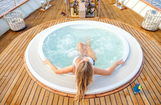 Summer Sets Cruise