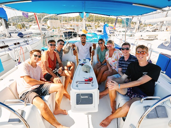 Yacht Tour Group