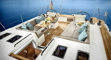 Bavaria Cruiser 57 deck view
