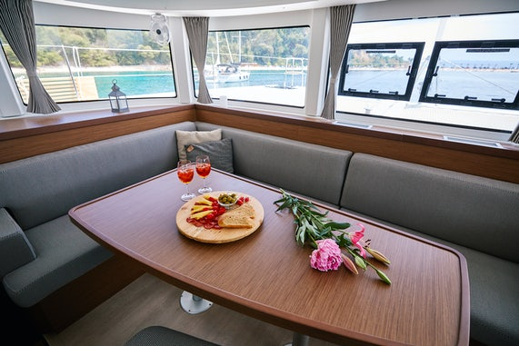 Catamaran Charter Salon