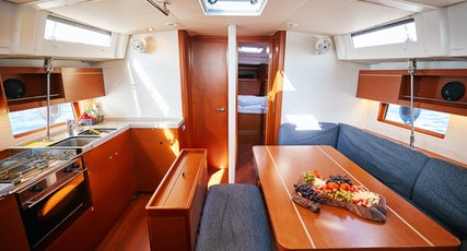 Oceanis 46.1 interior view