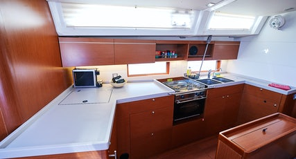 Oceanis 46.1 kitchen view