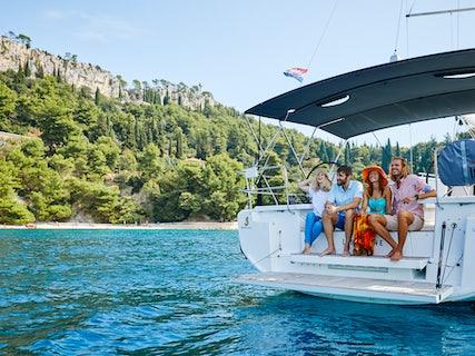 Libertine Private Yacht Tour