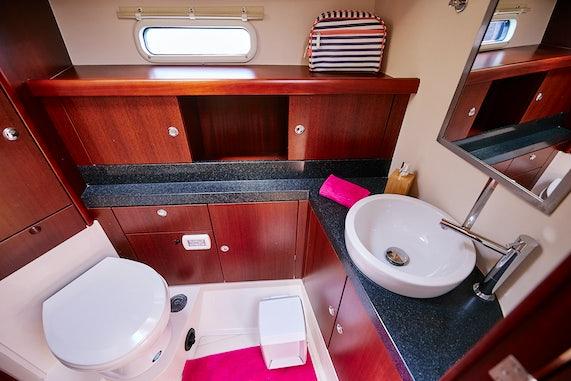 Manaia Bathroom