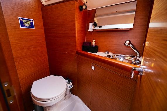 Manilos Bathroom