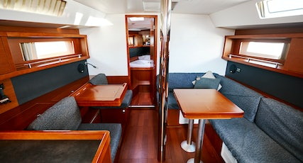 Oceanis 41 interior view