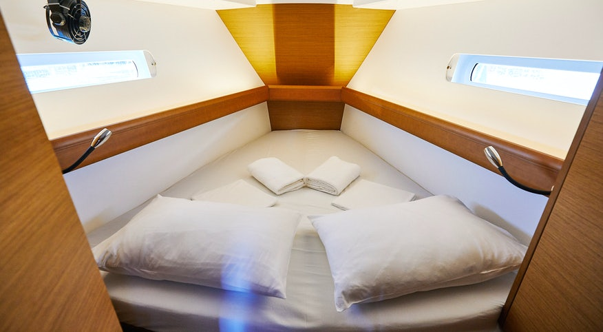 Premier Yacht cabin